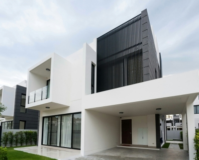 New modern villa in Laguna