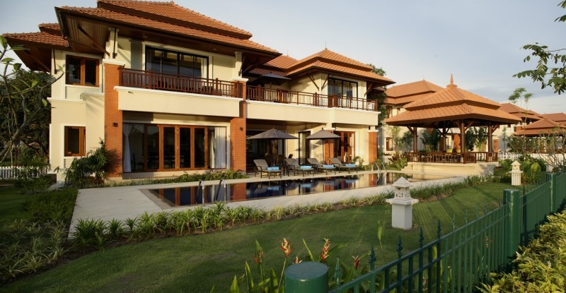 Luxury villas in Bang Tao